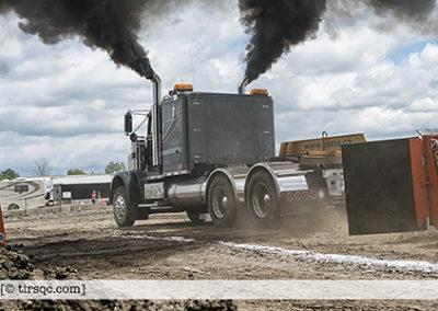 F20170702a132219_0389-ASTTQ-SEMI-Freightliner noir Ontario