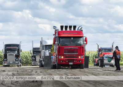 F20170806a154234_0443-SEMI-Freightliner rouge-Mario Racicot