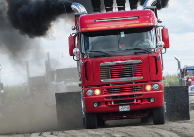 F20170806a154248_0447-SEMI-Freightliner rouge-Mario Racicot