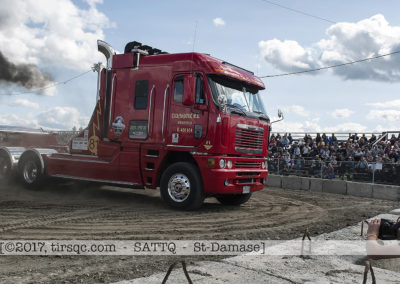 F20170806a154255_5421-SEMI-Freightliner rouge-Mario Racicot
