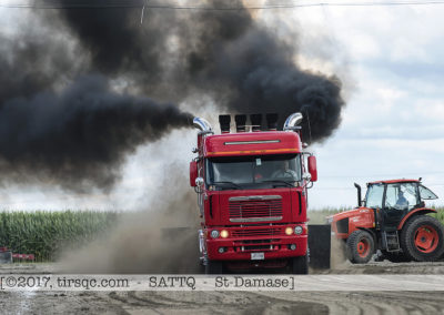 F20170806a160614_0536-SEMI-Freightliner rouge-Mario Racicot